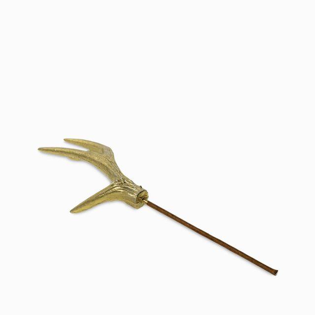 Cuerno-decorativo-dorado