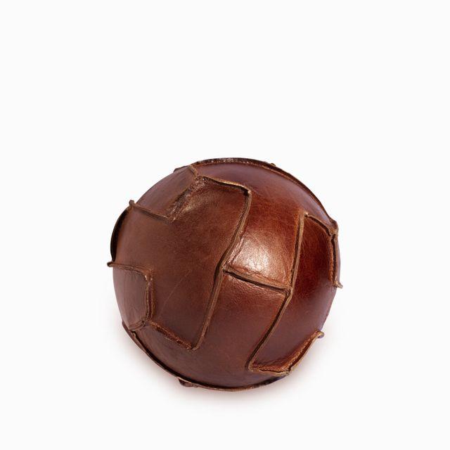 Balon de futbol en cuero
