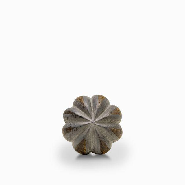 Pomo flor madera