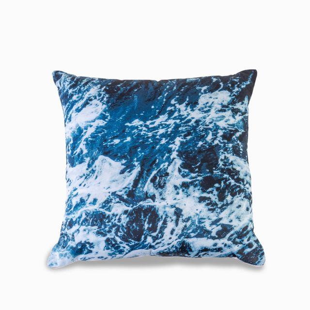 Cojin-marmolizado-mar-azul-45x45